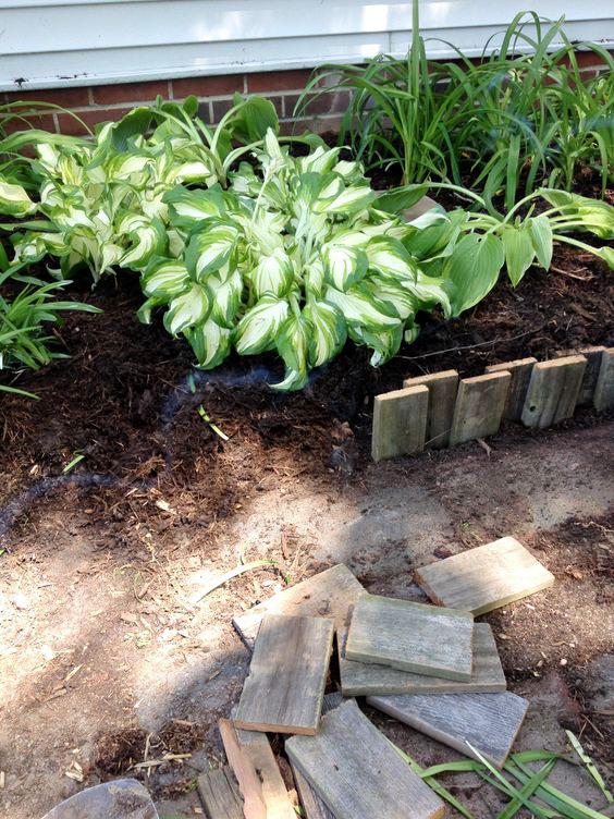 42 Garden Bed Edging Ideas That You Need To See on Backyard Border Ideas  id=50692