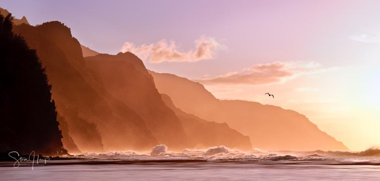 Ke'e beach on the north coast of Kauai in Hawaii is one of the best locations for sunsets