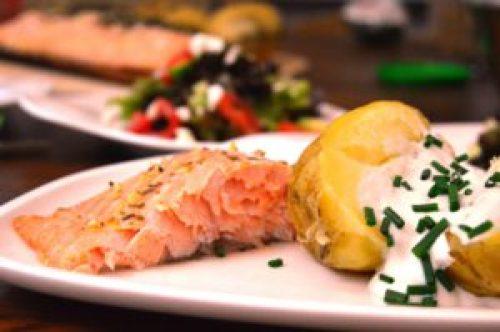 Lachs auf der Planke grillen - Beef! Luxus Lachs - deutschesee Fischmanufaktur