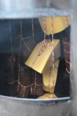 Käse kalt räuchern - Rezept für kaltgeräucherten Käse