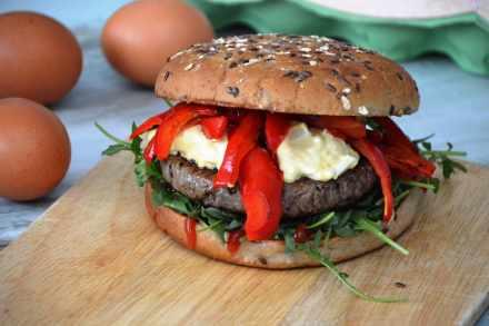 Rezept für Burger mit Eiersauce