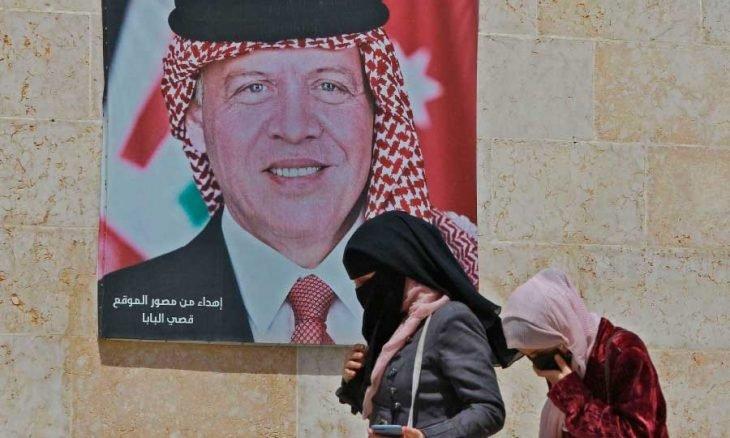 Photo of قضية «اعتقالات السبت»: أين اختفت «الحبكة» في المشهد الأردني؟ ورؤوس «قيد التحسس»… والإعلام في «غيبوبة»