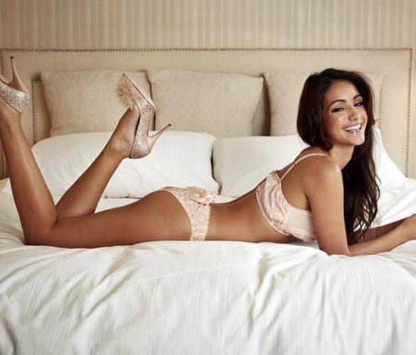 Melanie Iglesias in lingerie
