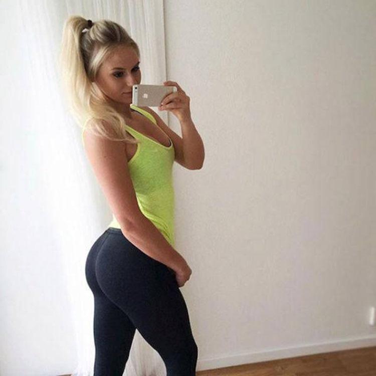 Badchix always look drop dead sexy in Yoga Pants 6