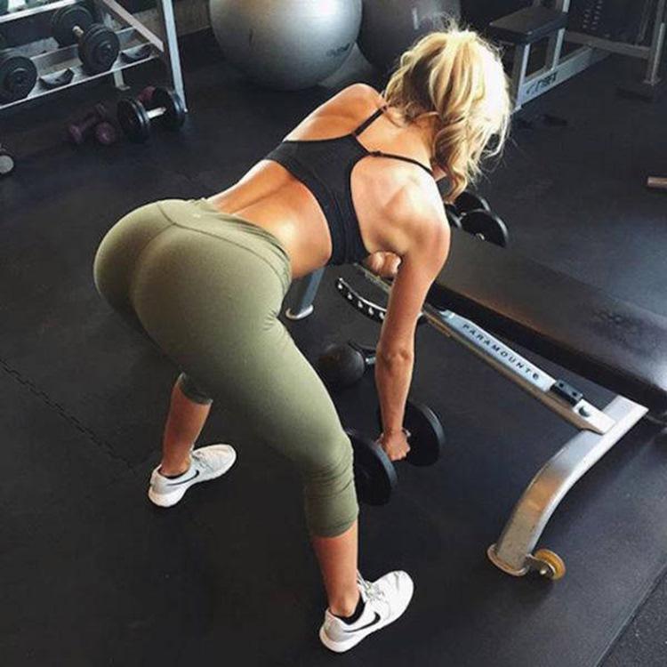 Badchix always look drop dead sexy in Yoga Pants 21