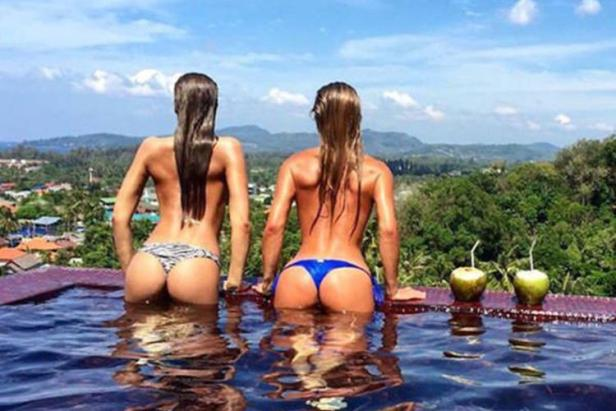 Badchix and There Wet Look (35 Photos)