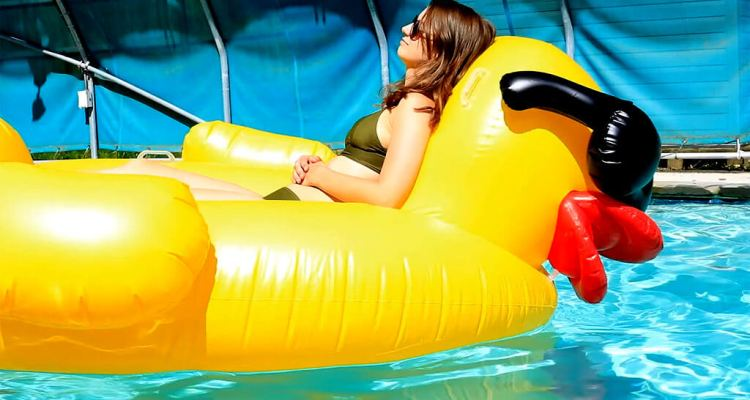 The Worst Things About A Pool Party!