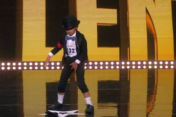 5 Year Old Philipo Dances MJ's Billy Jean on Talent Show 1