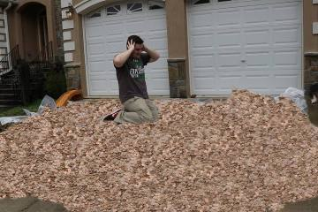 Mr. Beast Giving 3,000,000 Pennies To His 3,000,000th Subscriber 1