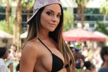 Let's Cure The Case of the Monday Blues With Nienna Jade (30 Photos) 2