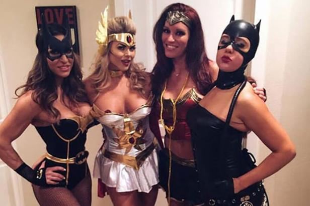 College Girls Love Halloween 2018 (40 Photos) 1