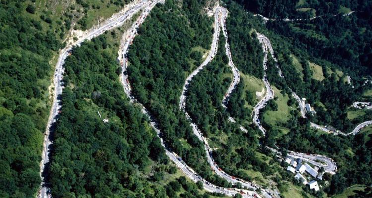 Driving The Famous 21 Bends of L'Alpe D'Huez 1