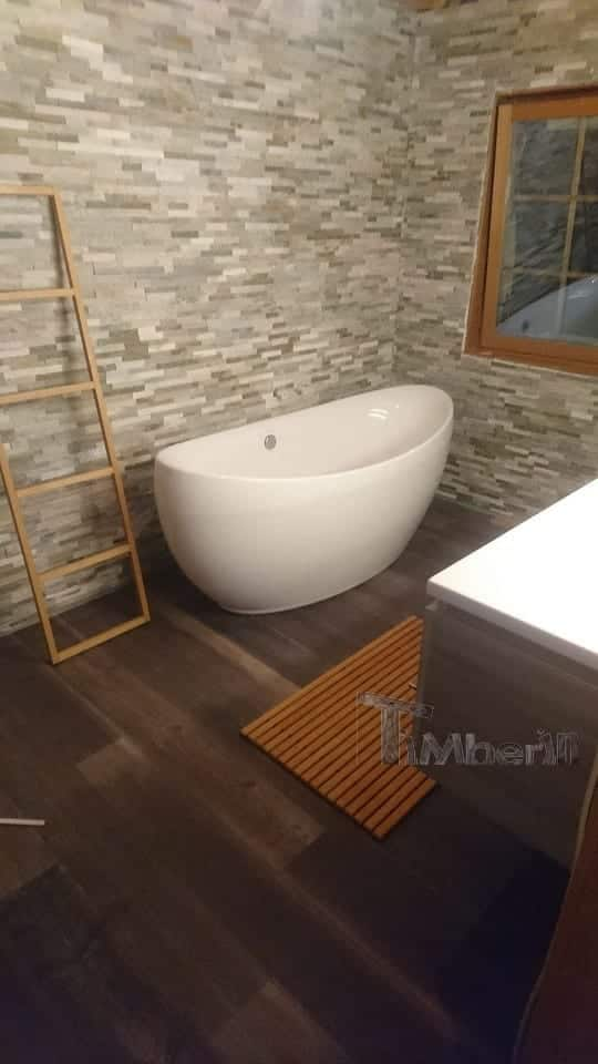 Holzdusche-für-Sauna-oder-Whirlpool-Sarah-Willich-Deutschland-1 Holzdusche für Sauna oder Whirlpool, Sarah, Willich, Deutschland