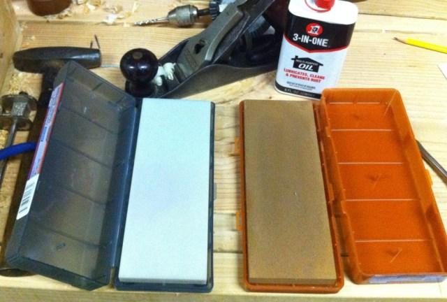 My Oilstone Sharpening Setup