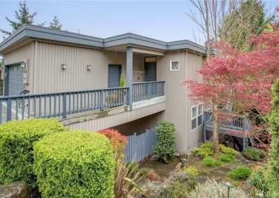 8020 E Mercer Way, Mercer Island 98040