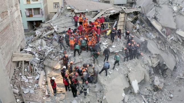 تركيا…ارتفاع عدد القتلى زلزال إيجة