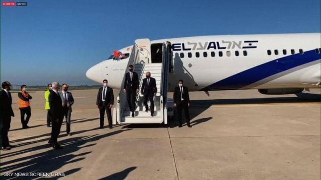 لا رئيس حكومة ولا وزير ولا بساط أحمر ولا أعلام خلال استقبال الوفد الإسرائيلي الأمريكي