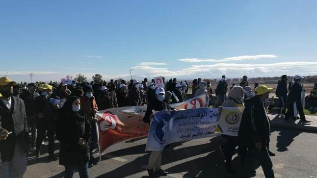 الأمن يحاصر مسيرة الأساتذة المتعاقدين بجرسيف (صور)