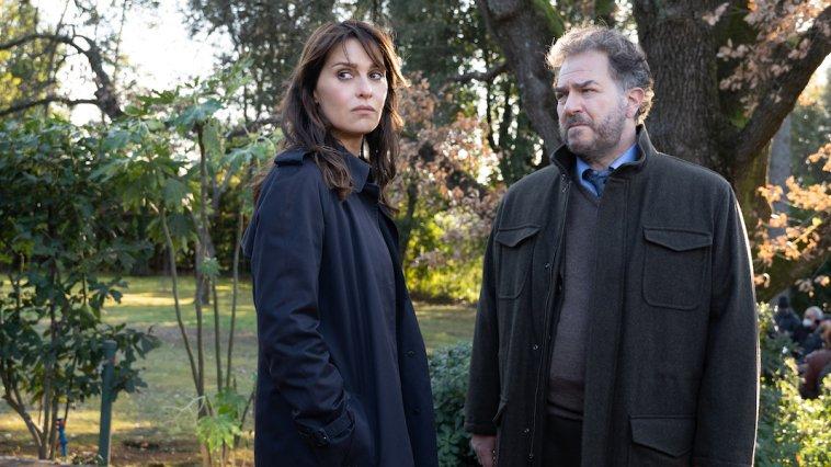 Petra: le prime immagini dal set delle quattro nuove storie con protagonista Paola Cortellesi
