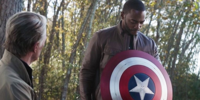 The Falcon and the Winter Soldier scudo Captain America Anthony Mackie