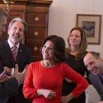 Veep 7: Julia Louis-Dreyfus condivide la prima foto del cast di nuovo insieme!