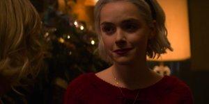 Le Terrificanti Avventure di Sabrina 2: un video rivela i segreti del set della serie