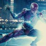 Flash: Ezra Miller riscrive la sceneggiatura con Grant Morrison ma a maggio potrebbe lasciare il film
