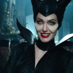 Maleficent 2: Michelle Pfeiffer condivide una foto nei panni della regina Ingrith