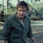 Apostle: ecco Dan Stevens della prima immagine del nuovo survival horror di Gareth Evans