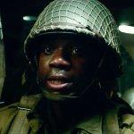 Overlord: un volo turbolento in una lunga clip del film di Julius Avery