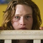 Bios: Caleb Landry Jones con Tom Hanks nel cast del film di Miguel Sapochnik