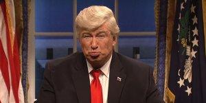 """Alec Baldwin e l'addio all'imitazione di Trump al SNL """"mai così contento di aver perso un lavoro"""""""