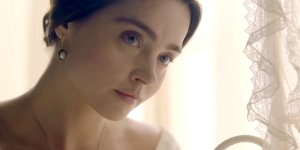Victoria: nel trailer della seconda stagione la sovrana, diventata madre, affronta problemi personali e politici