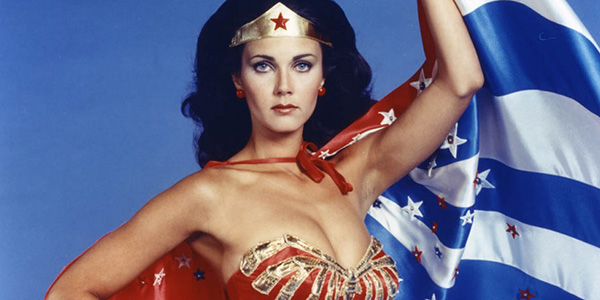 James Cameron contro Wonder Woman: interviene Lynda Carter