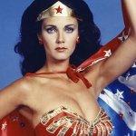 Wonder Woman 2, Patty Jenkins possibilista su un eventuale coinvolgimento di Lynda Carter