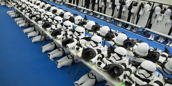 Ecco le foto dai camerini degli Stormtrooper di Star Wars: Il Risveglio della Forza