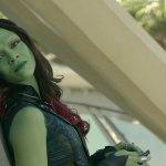 Zoe Saldana è diventata la prima attrice a comparire in due film da oltre due miliardi di dollari al box office