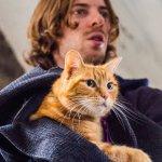 A Spasso con Bob: ecco il trailer italiano del film con Luke Treadaway tratto da una storia vera