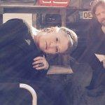 Star Wars: Episodio VIII, Oscar Isaac pubblica una foto di Carrie Fisher e Mark Hamill sul set