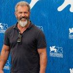 Il Mucchio Selvaggio: Mel Gibson dirigerà per la Warner il remake del cult di Sam Peckinpah