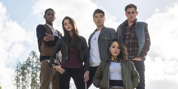 Rita Repulsa ei cinque giovani eroi nelle nuove foto di Power Rangers