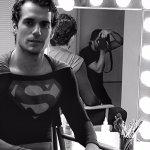 Superman: Henry Cavill con il costume di Christopher Reeve in una foto del primo provino