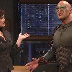 Dwayne Johnson si trasforma nel supereroe Scorpio in un divertente sketch del SNL