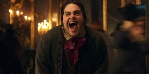 La Bella e la Bestia: LeTont incontra Monsieur Toilette in una scena tagliata!