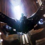 Spider-Man: Homecoming, Michael Keaton e il costume dell'Avvoltoio in un estratto dal Blu-Ray