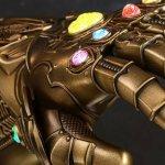 Avengers: Infinity War, ecco la replica del Guanto dell'Infinito in scala 1:4 targata Hot Toys