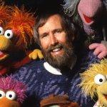 """Jim Henson: ecco le immagini della mostra dedicata al celebre artista e burattinaio """"padre"""" dei Muppet"""