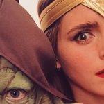 Emma Watson nei panni di Wonder Woman per promuovere il suo club del libro