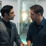 Venom: Tom Hardy e Riz Ahmed in una nuova clip italiana del cinecomic