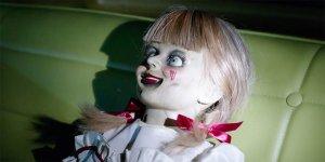 """Annabelle 3: """"un faro per altri spiriti"""" nella prima clip dal film"""